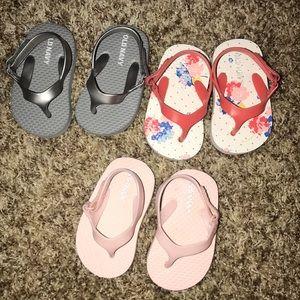 3 pair Old navy flip flops